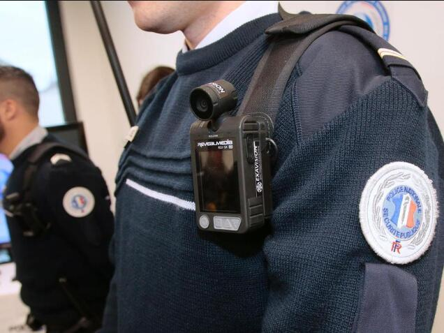 32GB Small Police Worn Body Cameras 18MP With 360 Degree Rotation
